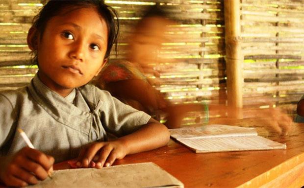 little-school-girl-nepal