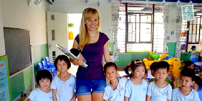 Paid Kindergarten Teacher China