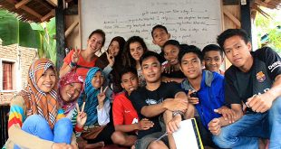 Volunteer Help Teaching Indonesia