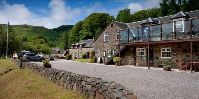 Restaurant Assisting Scottish Highlands